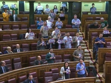 Frame 5.231722 de: Iglesias, llamado al orden por Ana Pastor tras un incidente protagonizado por diputados de Podemos