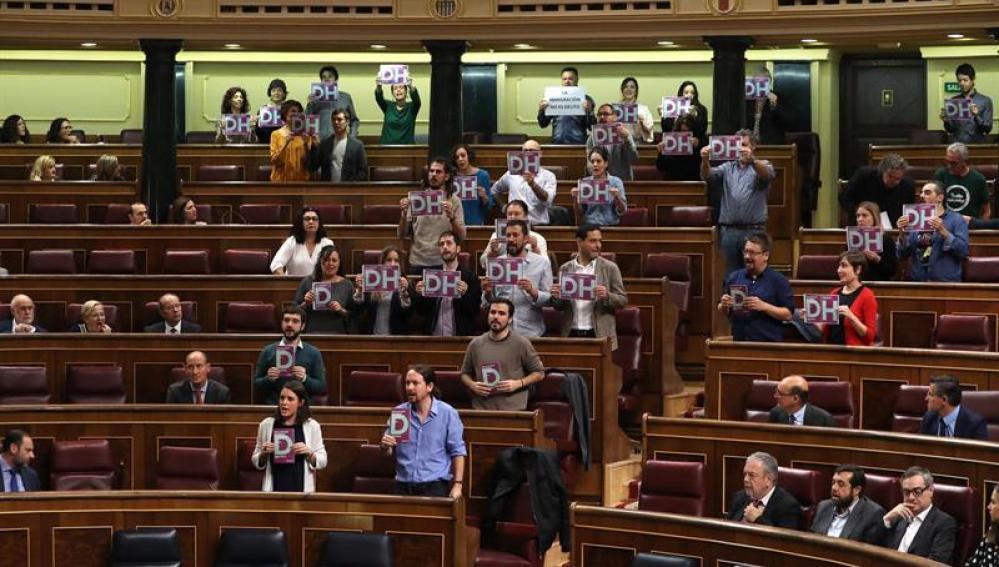 Decenas de diputados de Unidos Podemos