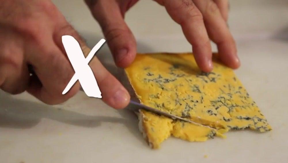 Frame 24.815705 de: ¿Cómo se corta el queso?