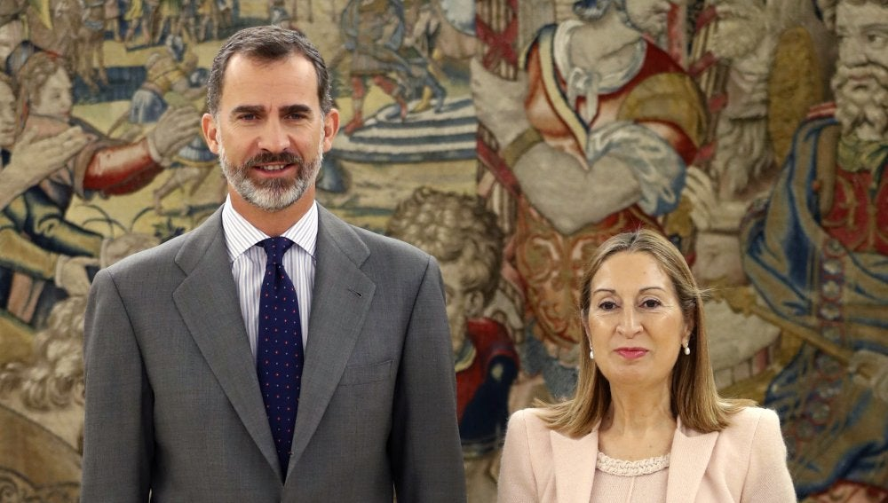 Ana Pastor y Felipe VI