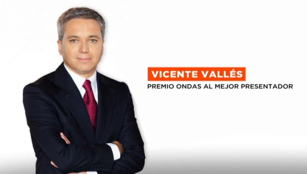 Frame 2.924656 de: Vicente Vallés, galardonado con el Premio Ondas a mejor presentador