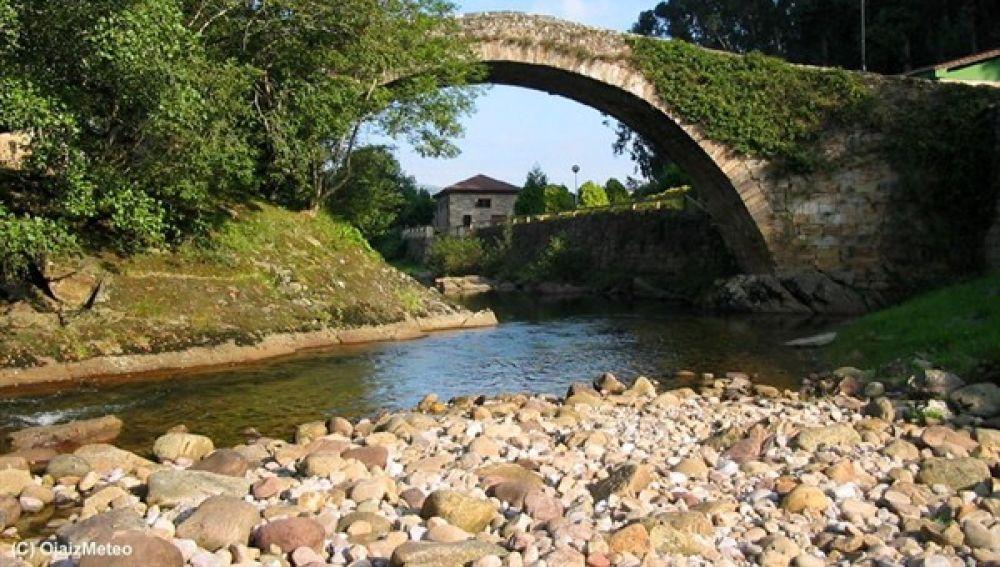Puente romano sobre el rio Miera