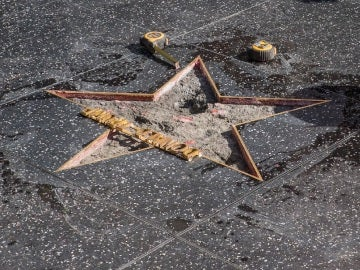 La estrella de Donald Trump en reparaciones