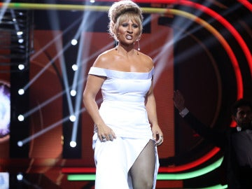 Rosa López, una actuación de película como Tina Turner en 'Goldeneye'