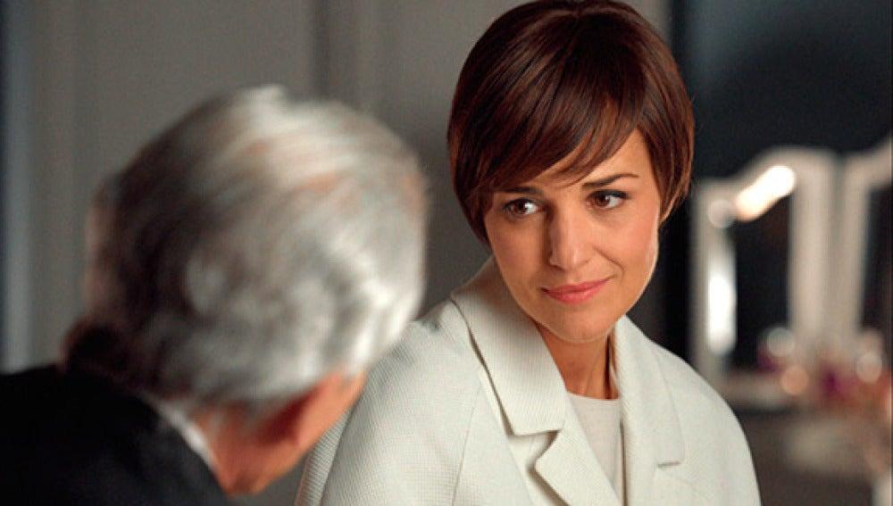 Ana pide consejo a su tío sobre su futuro matrimonial con Carlos