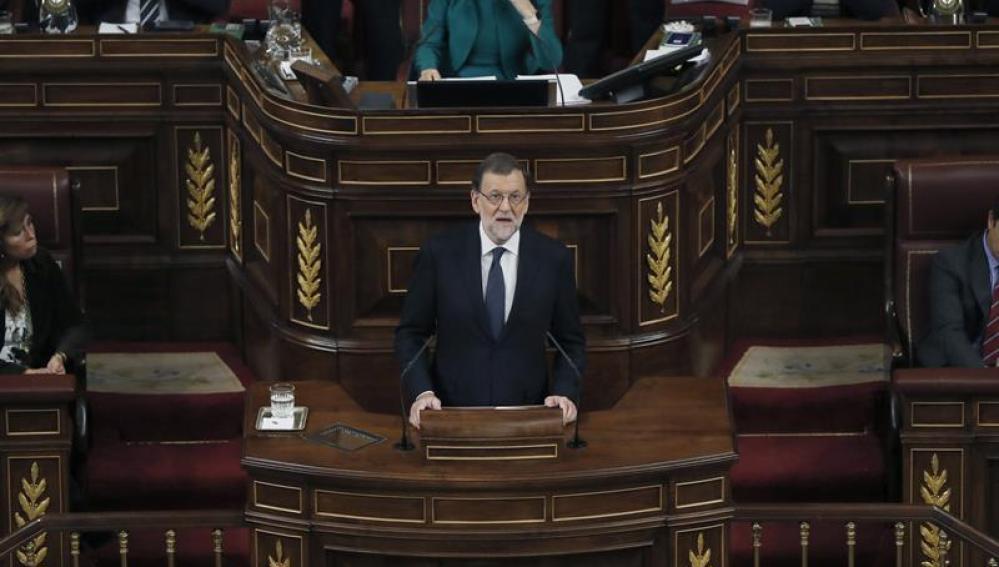 El líder del PP y presidente del Gobierno en funciones, Mariano Rajoy, durante su intervención en el debate de su investidura