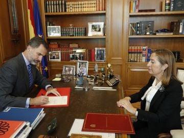 El Rey firma el decreto del nombramiento de Rajoy