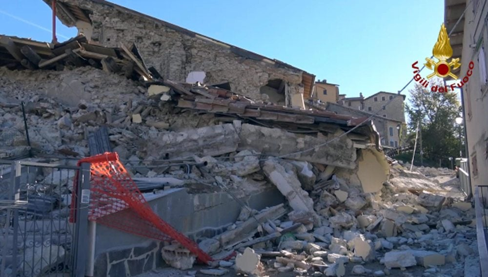 Edificios derrumbados en Castelluccio di Norcia
