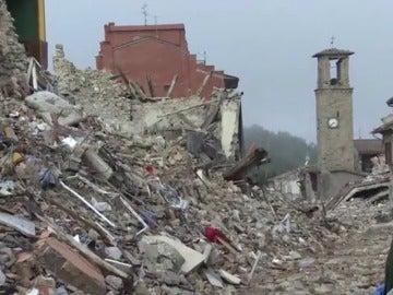 Frame 69.899371 de: Continúan los movimientos sísmicos en Italia tras el terremoto de este domingo