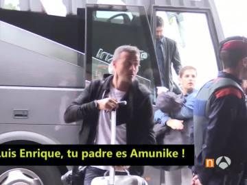 Luis Enrique en el aeropuerto de El Prat