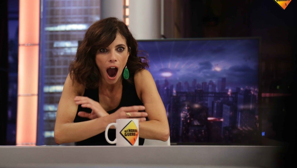 """Pablo a Maribel: """"¿Qué se siente al ser la fantasía erótica de Pablo Iglesias?"""""""
