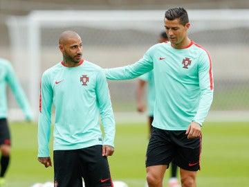 Quaresma y Cristiano juntos en un entrenamiento