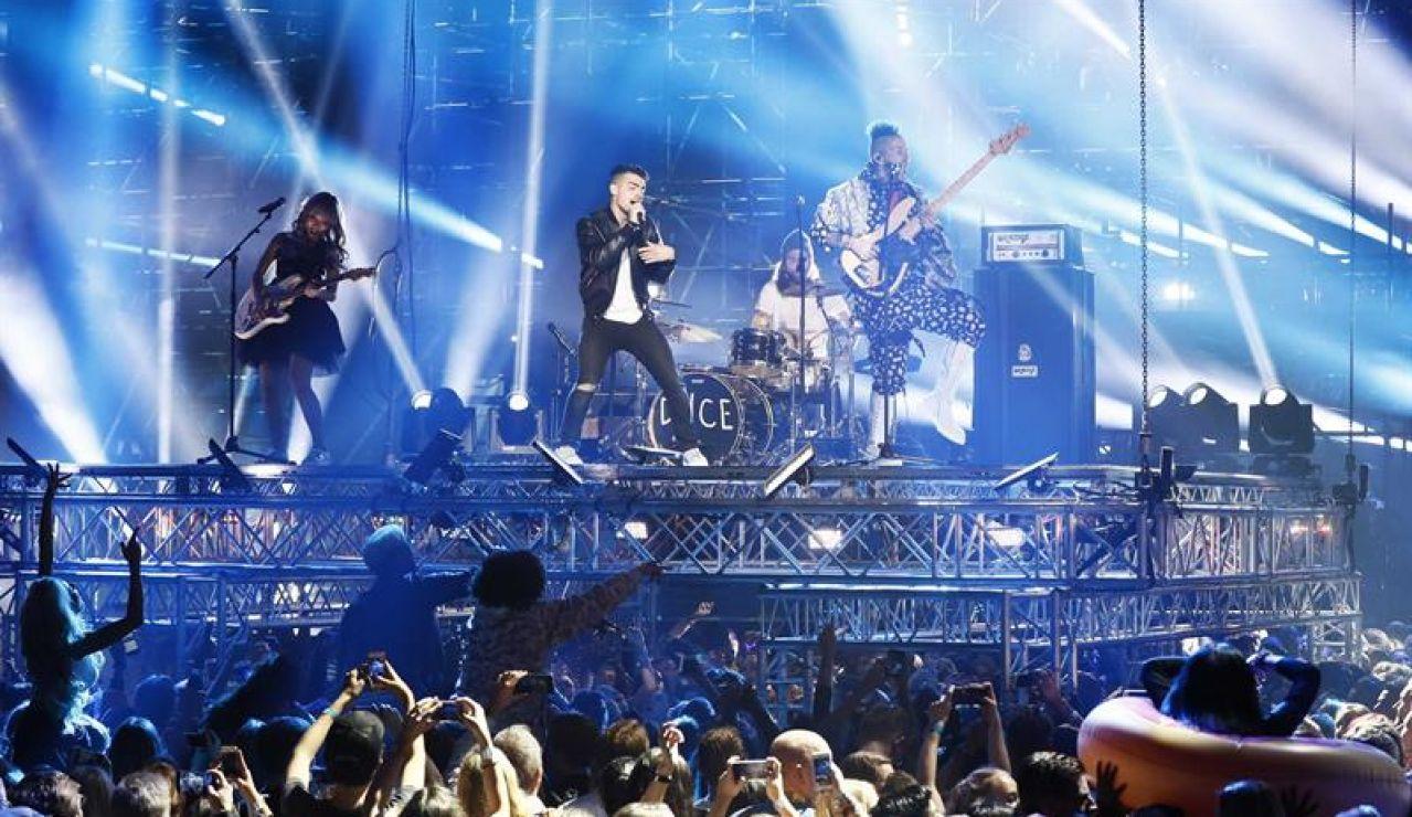 DNCE en los MTV Europe Music Awards (EMAs)