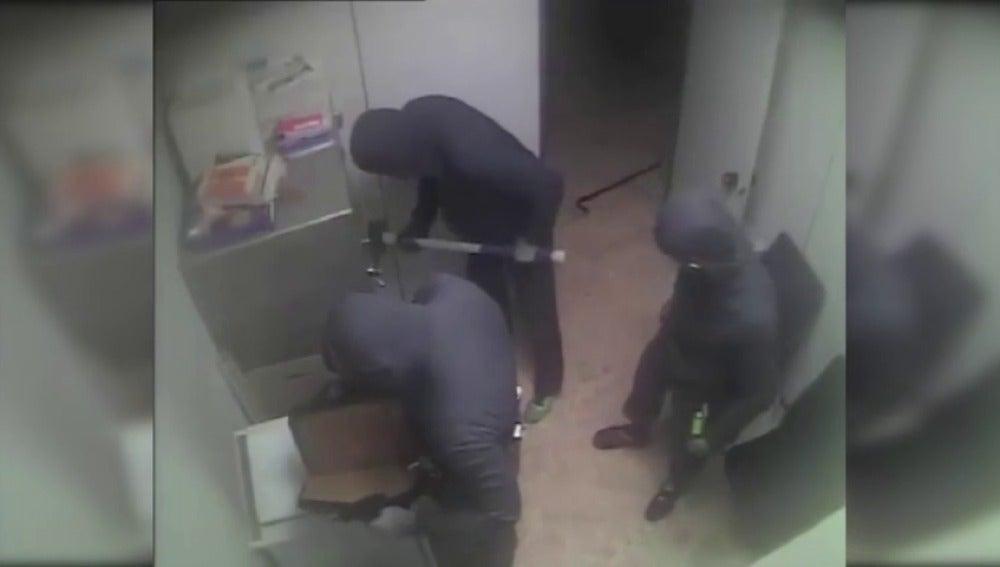 Frame 9.741744 de: Desarticulada una banda que robaba cajas fuertes con mazos y hachas en varias Comunidades Autónomas
