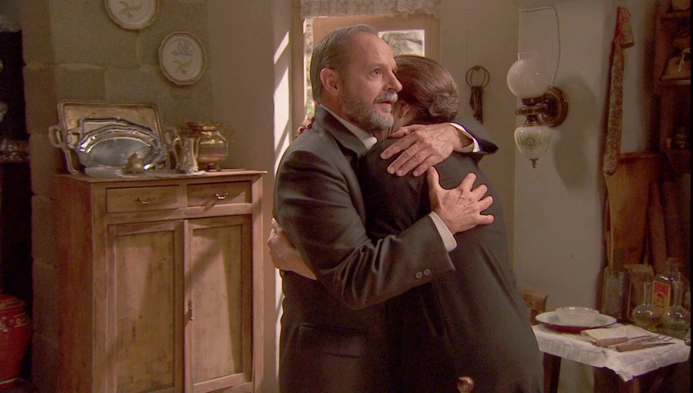 """Raimundo: """"No te hagas la fuerte ante mi, he venido a salvarte Francisca"""""""