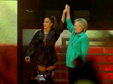 Frame 16.4713 de: El mundo del cine y la música se vuelca con Hillary Clinton