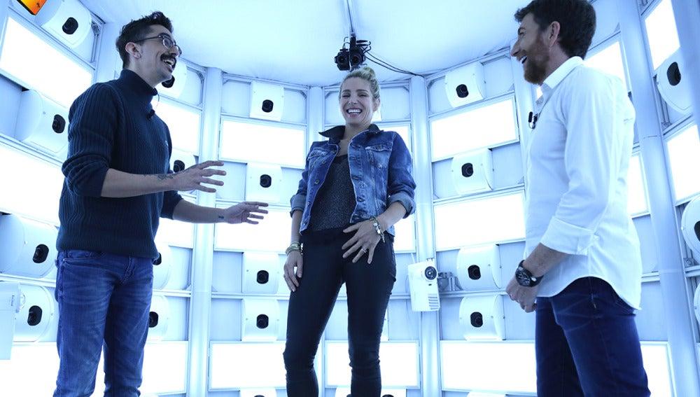 Elsa Pataky comprueba cómo funciona el escáner en 3D más grande del mundo