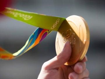 Medalla de oro entregada en los Juegos Olímpicos de Río