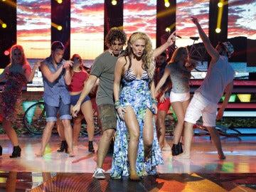 Lorena Gómez y Xuso Jones se suben a 'La bicicleta' como Carlos Vives y Shakira