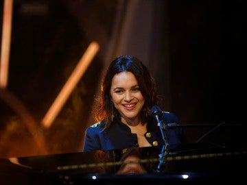 Norah Jones canta 'Carry On' en directo para el público de 'El Hormiguero 3.0'