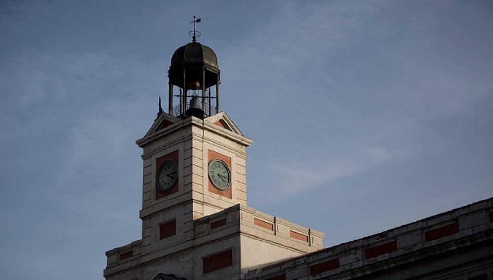 Antena 3 tv las campanas del reloj de la puerta del sol for Reloj de puerta del sol