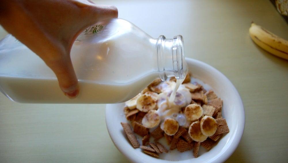 Cereales con leche. ¡Ups!