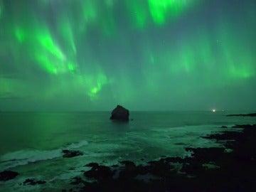 Frame 13.411861 de: Es buena época para disfrutar de las auroras boreales en países cercanos al Ártico