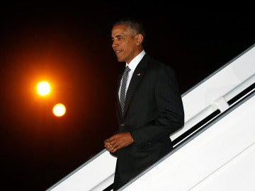 Barack Obama en su llegada a Lima