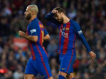 Piqué se lamenta tras una ocasión perdida ante el Málaga