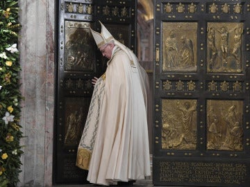 El Papa cierra la Puerta Santa