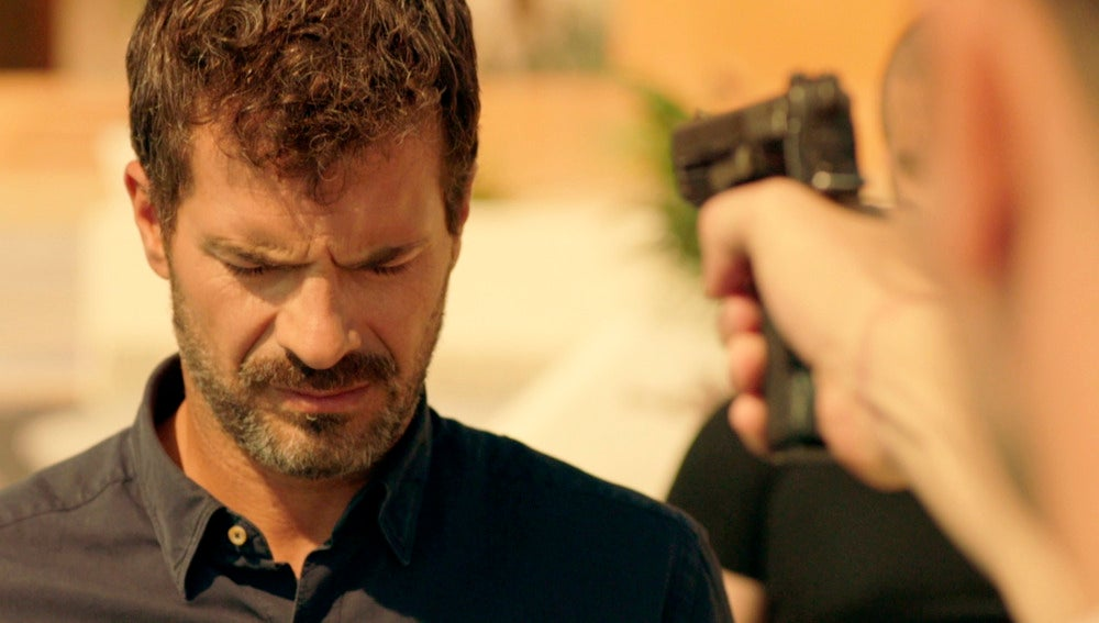 El Oso ordena a Pablo que mate a Héctor