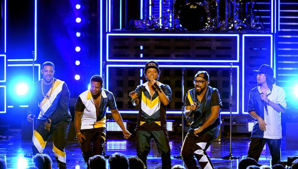 Bruno Mars en los American Music Awards