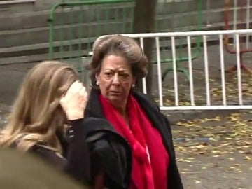 Frame 10.797675 de: Rita Barberá comparece hoy como investigada ante el Supremo por el caso Imelsa