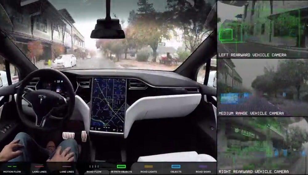 """Frame 5.454012 de: Lo que """"ven"""" los coches autónomos para poder tomar las decisiones oportunas"""