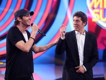 David Guapo consigue convencer al jurado con su actuación de Enrique Iglesias