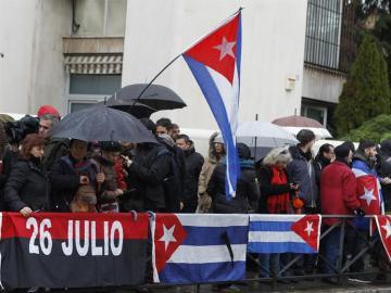 Concentración ante la embajada de Cuba en Madrid