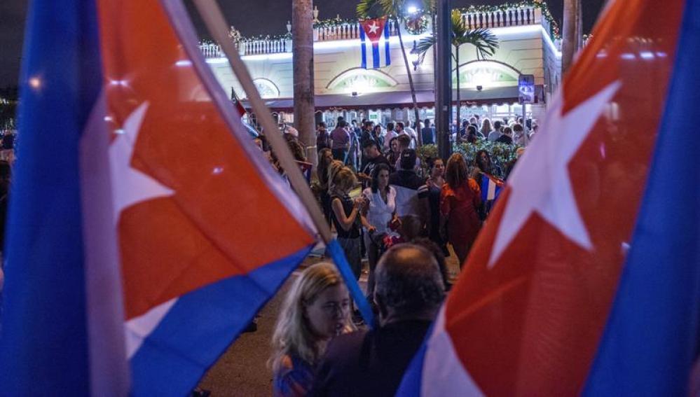 Los cubanos exiliados en Miami han salido a celebrar el fallecimiento de Castro
