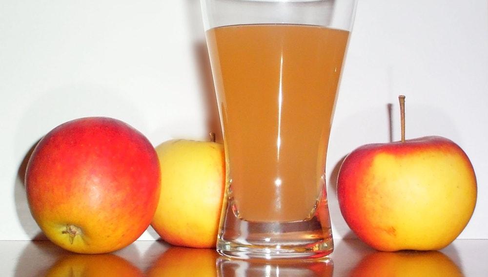 Ojo al zumo de manzana industrial.