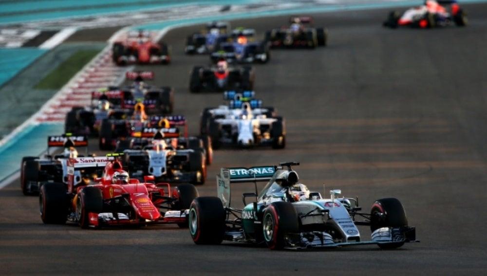 Hamilton traza una curva en Abu Dabi