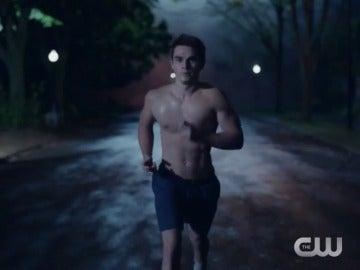 Frame 9.266139 de: The CW presenta la serie 'Riverdale'