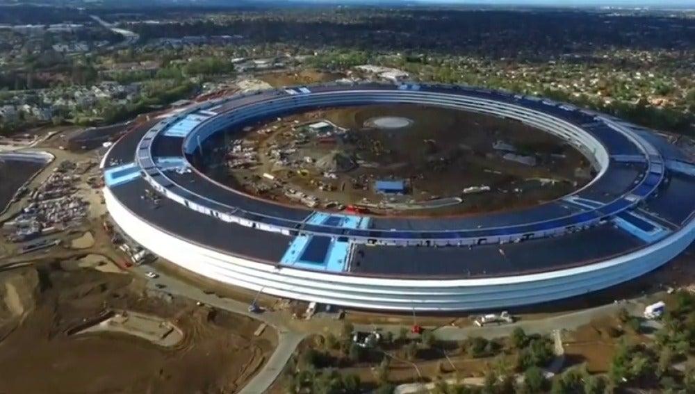 Frame 0.558315 de: Así es el nuevo campus de Apple
