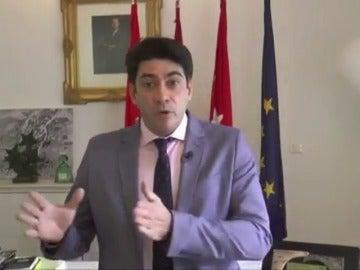 Frame 6.972047 de: Piden la dimisión del alcalde de Alcorcón, David Pérez, por calificar de amargadas a las feministas