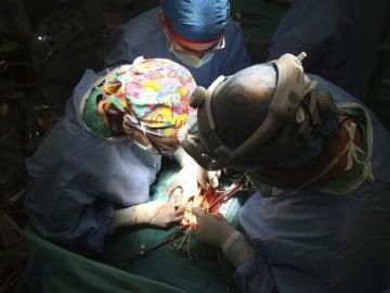 Un quirófano durante un trasplante