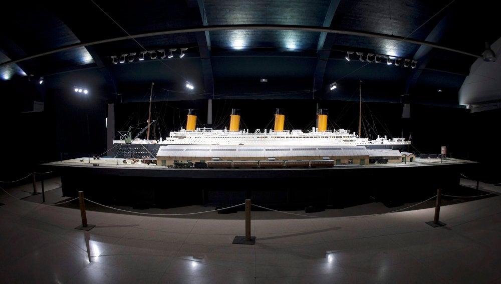 Maqueta del Titanic, la más grande realizada hasta ahora, de 12 metros de largo, en una exposición