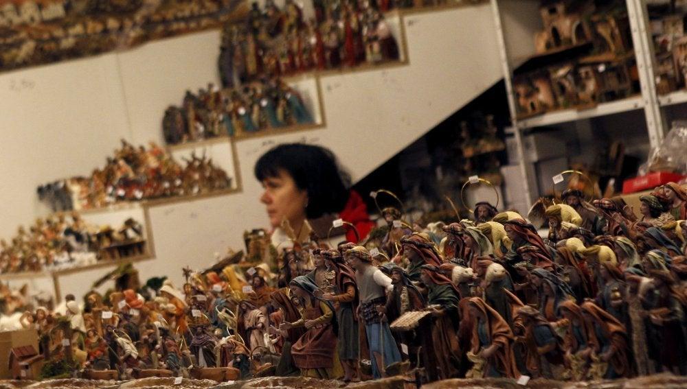 Puestos de Navidad con figuritas del Belén