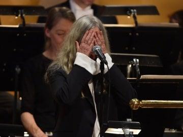 Patti Smith durante su interpretación de la canción de Bob Dylan en la entrega de los Premios Nobel