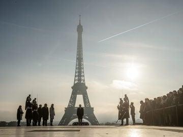 Ceremonia de homenaje a las víctimas de la Segunda Guerra Mundial en París