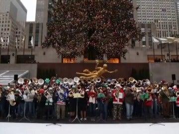 Frame 0.0 de: Concierto navideño interpretado por alumnos de las escuelas de música de Estados Unidos