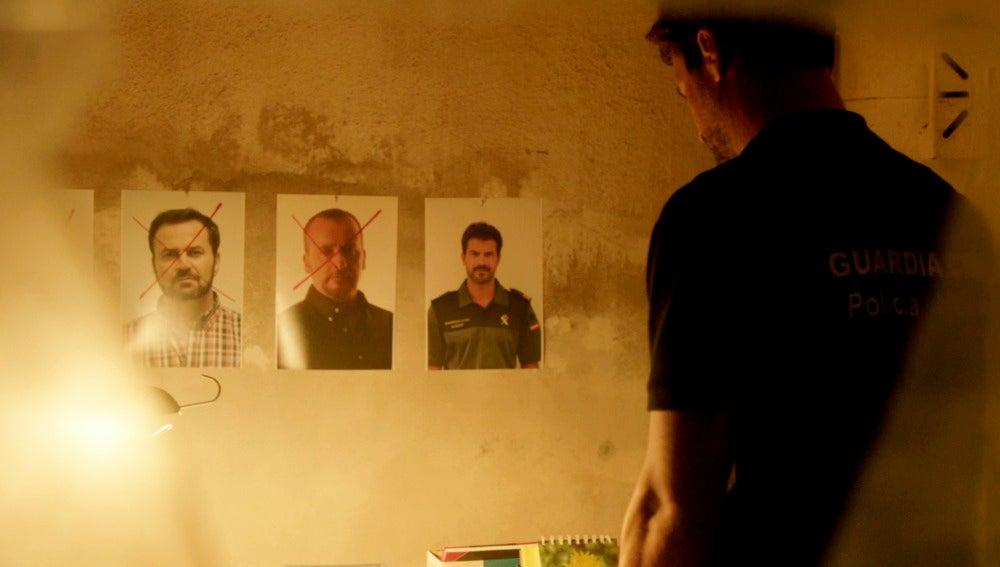 La Guardia Civil encuentra en casa de Cristina la foto del siguiente objetivo del fumigador
