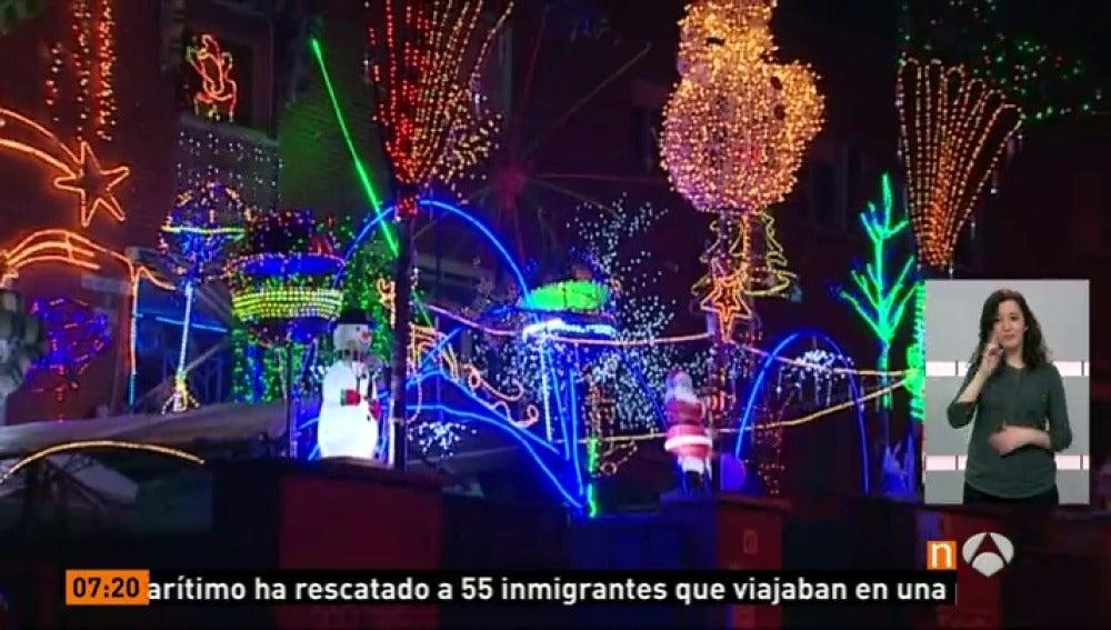 Antena 3 tv un vecino de san fernando de henares decora for Luces para exterior de casa